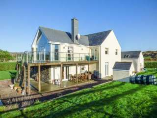4 bedroom Cottage for rent in Castletownshend