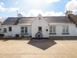 3 bedroom Cottage for rent in Carndonagh