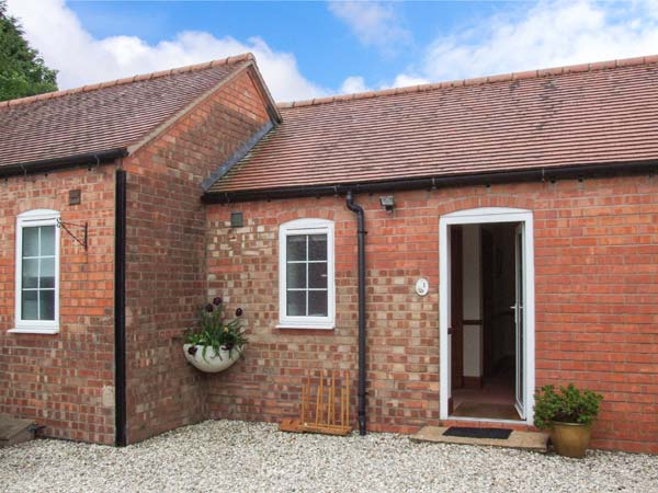 2 bedroom Cottage for rent in Coventry