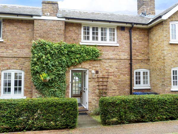 2 bedroom Cottage for rent in Herne