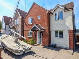 3 bedroom Cottage for rent in Mersea Island