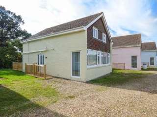 4 bedroom Cottage for rent in Seaview Village