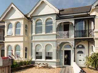 5 bedroom Cottage for rent in Worthing