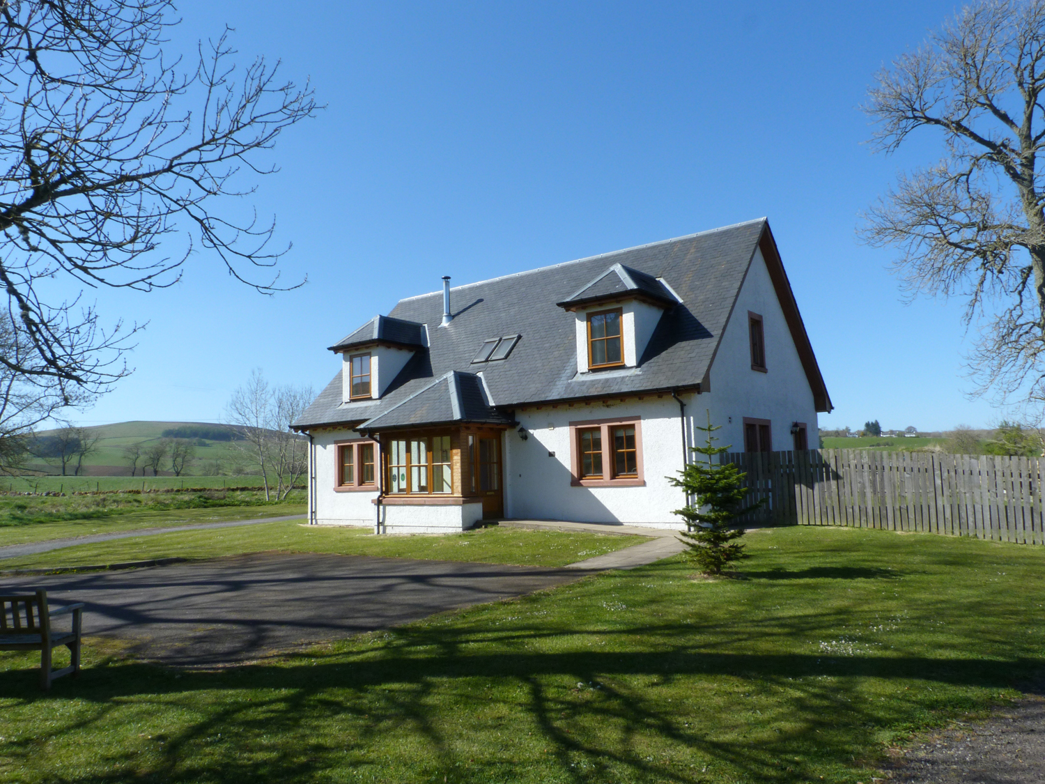 5 bedroom Cottage for rent in Blairgowrie