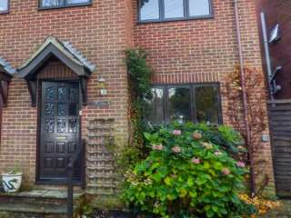 3 bedroom Cottage for rent in Totland