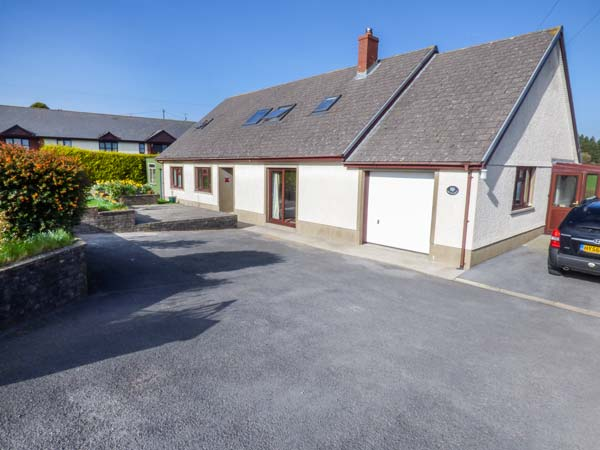 5 bedroom Cottage for rent in St Clears