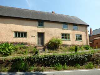 4 bedroom Cottage for rent in Ottery St Mary
