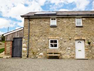 2 bedroom Cottage for rent in Llanllwni