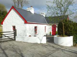 4 bedroom Cottage for rent in Riverstown