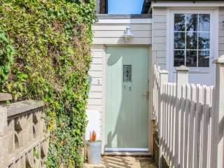 3 bedroom Cottage for rent in Dover