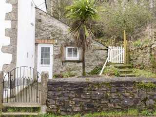 2 bedroom Cottage for rent in Par