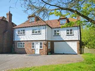 4 bedroom Cottage for rent in Rye