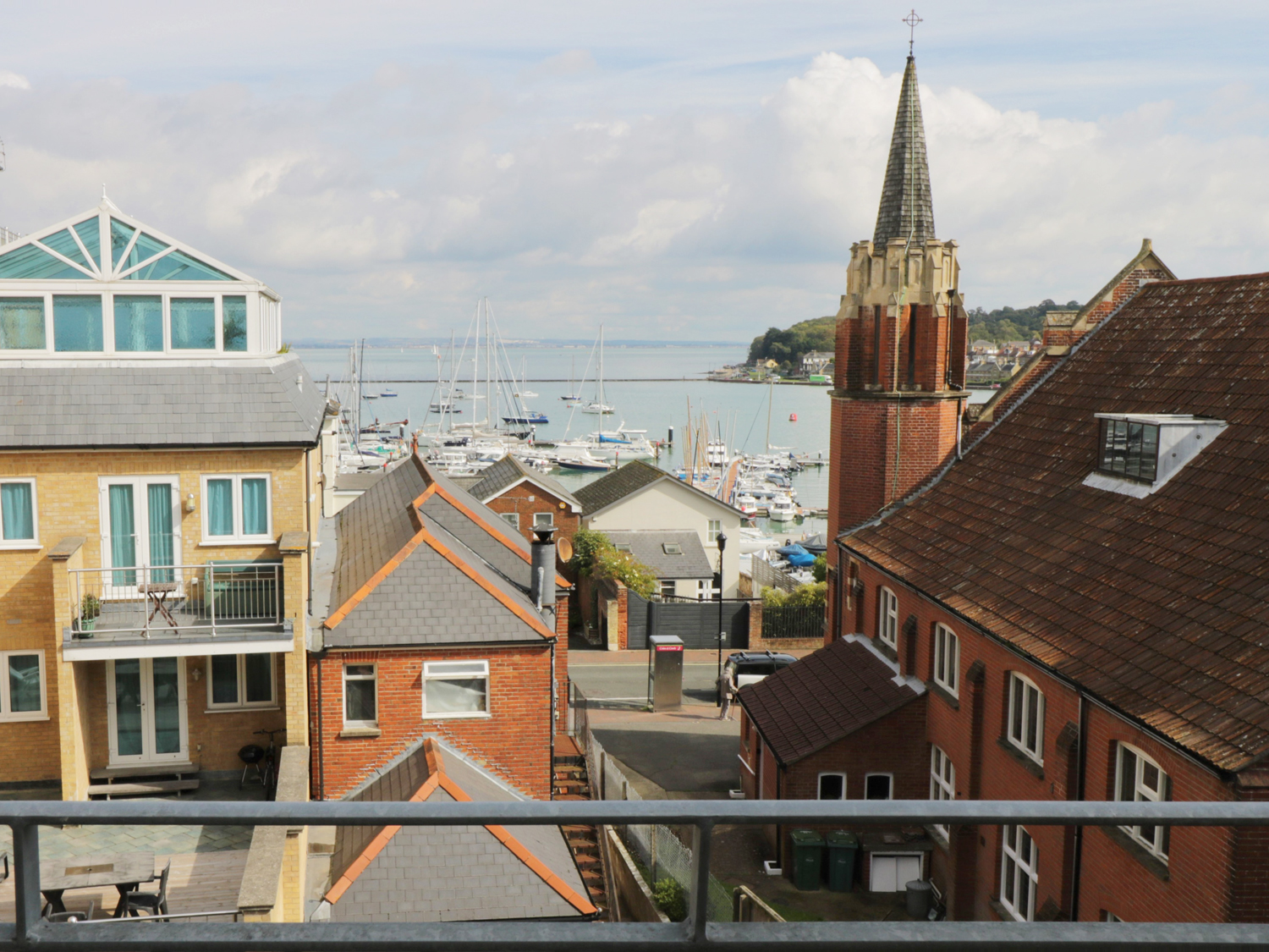 2 bedroom Cottage for rent in East Cowes
