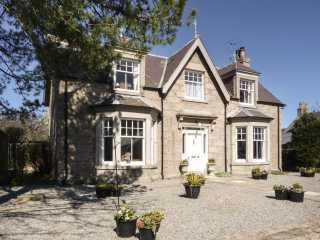 4 bedroom Cottage for rent in Crathie