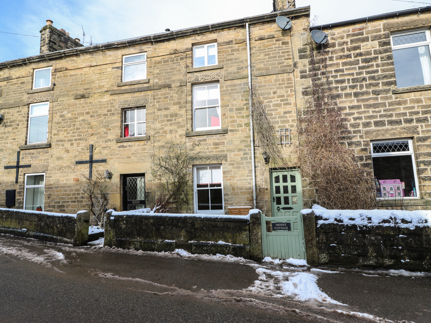 3 bedroom Cottage for rent in Eyam