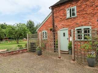 2 bedroom Cottage for rent in Holmes Chapel