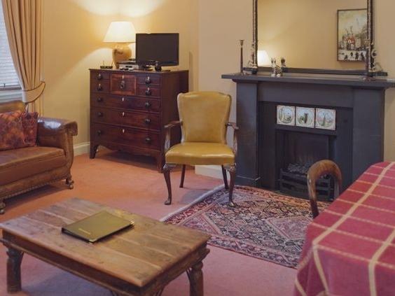 3 bedroom Cottage for rent in Edinburgh