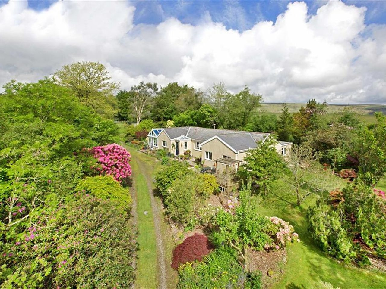 4 bedroom Cottage for rent in Buckfastleigh