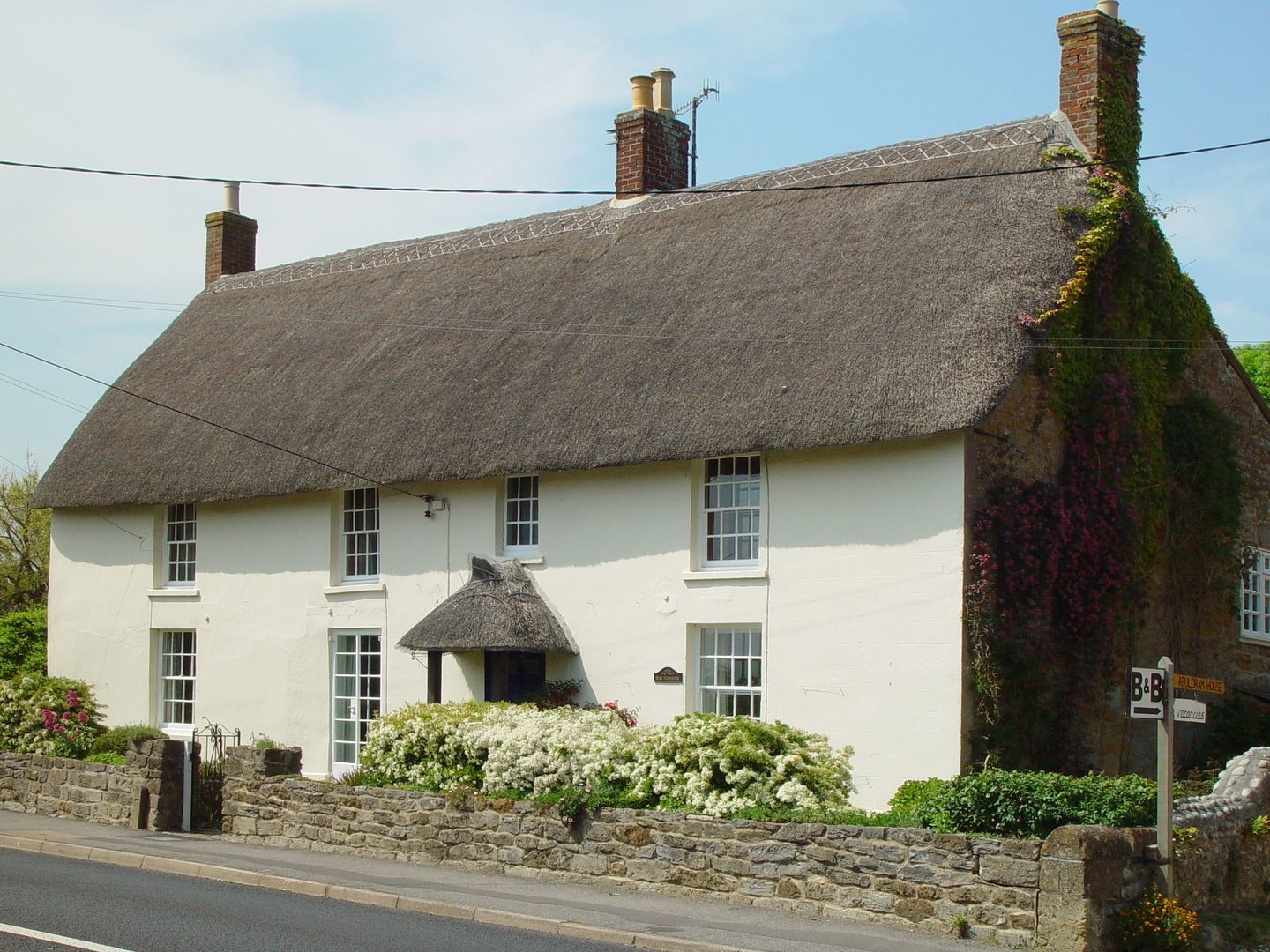 9 bedroom Cottage for rent in Bridport