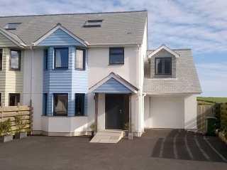 4 bedroom Cottage for rent in Porthleven