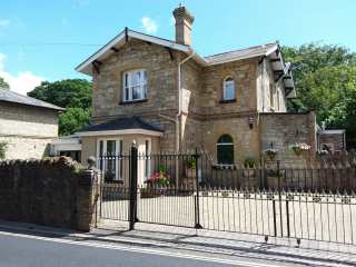 4 bedroom Cottage for rent in Shanklin