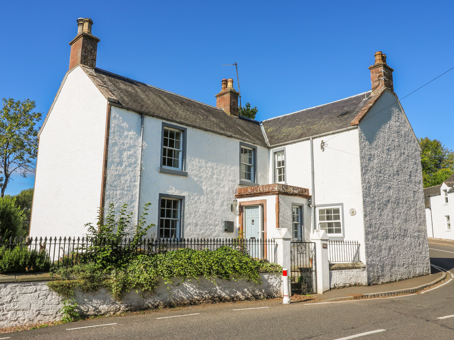4 bedroom Cottage for rent in Kirriemuir