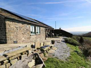2 bedroom Cottage for rent in Huddersfield