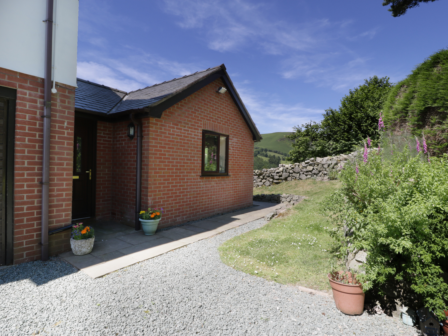 1 bedroom Cottage for rent in Llangynog