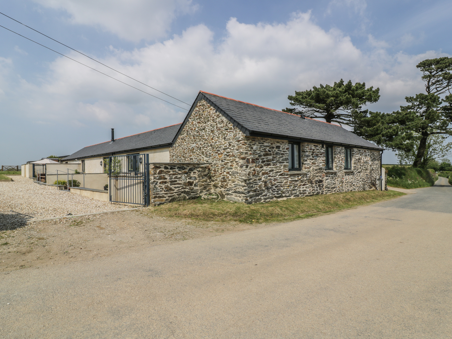 2 bedroom Cottage for rent in Veryan