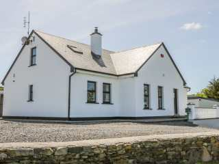 4 bedroom Cottage for rent in Westport