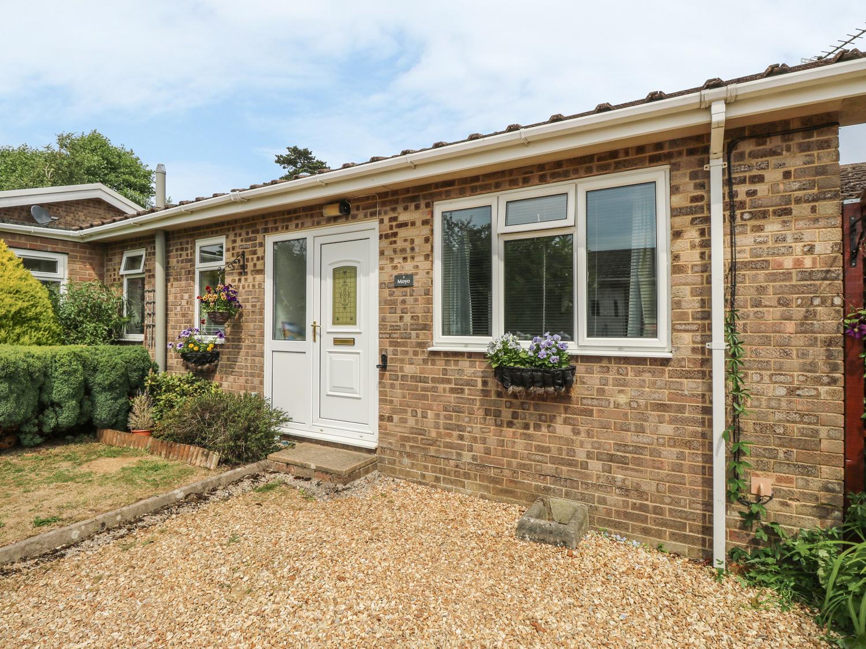 2 bedroom Cottage for rent in Binstead