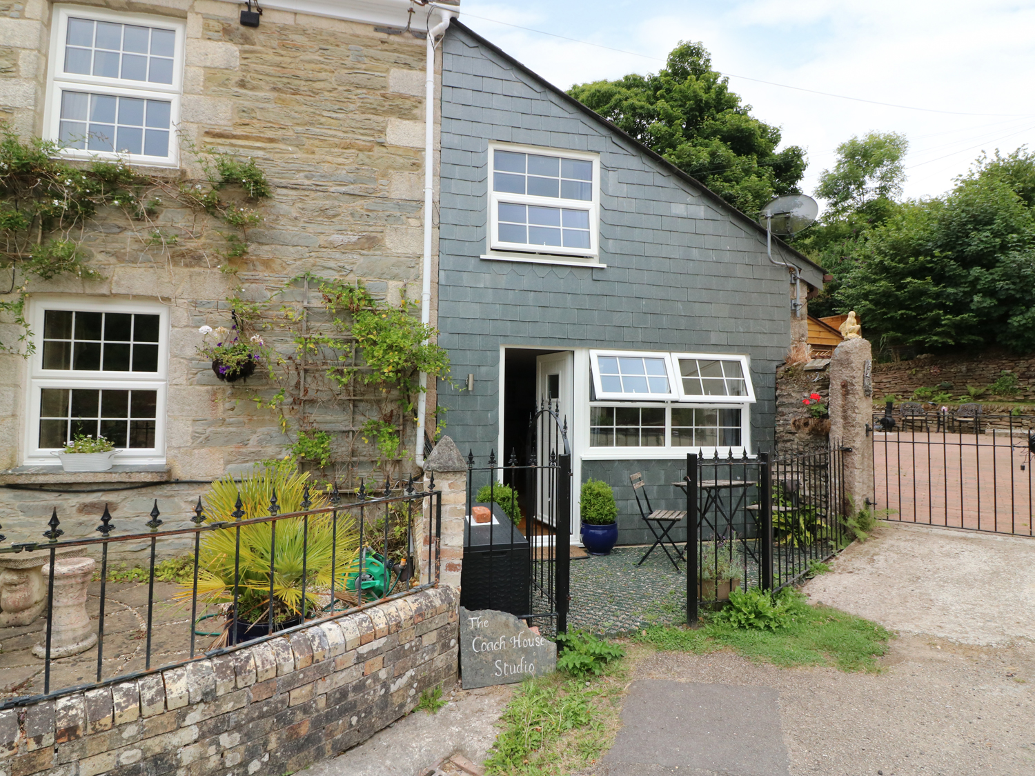 1 bedroom Cottage for rent in Probus