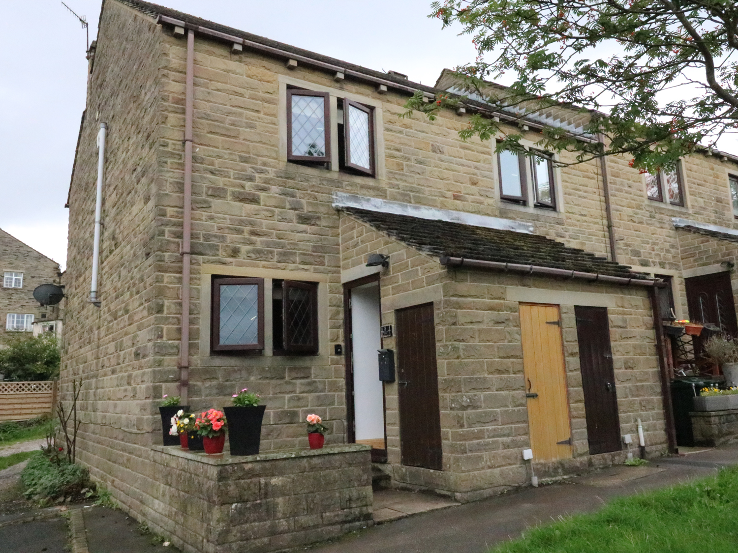 2 bedroom Cottage for rent in Haworth