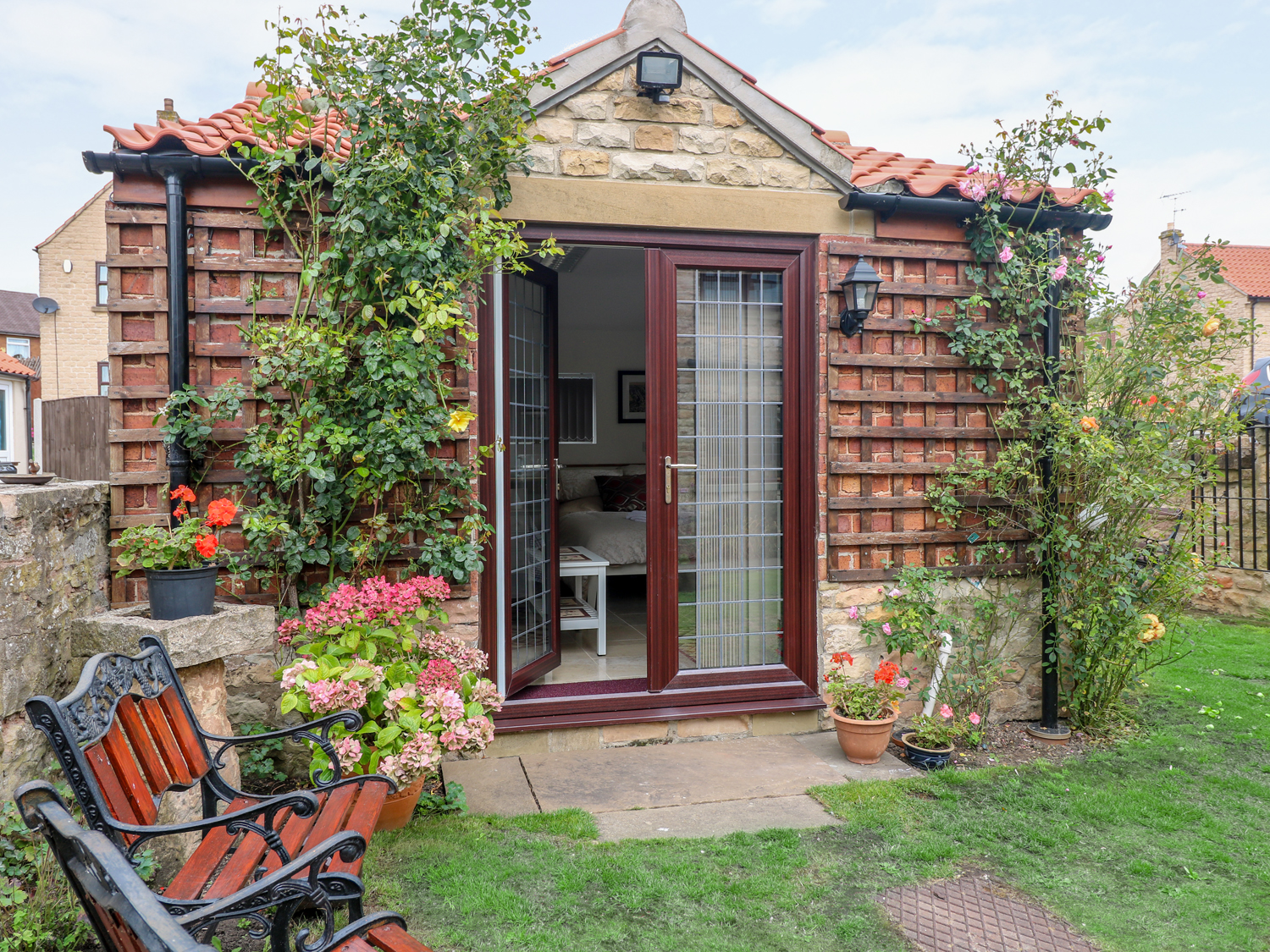 1 bedroom Cottage for rent in Mansfield