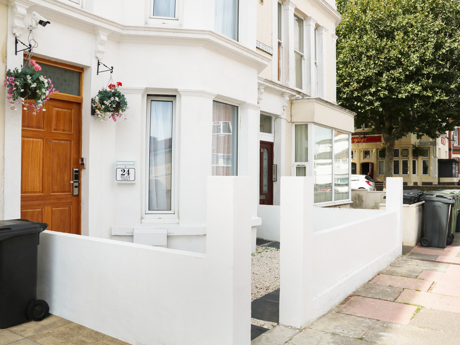 6 bedroom Cottage for rent in Eastbourne