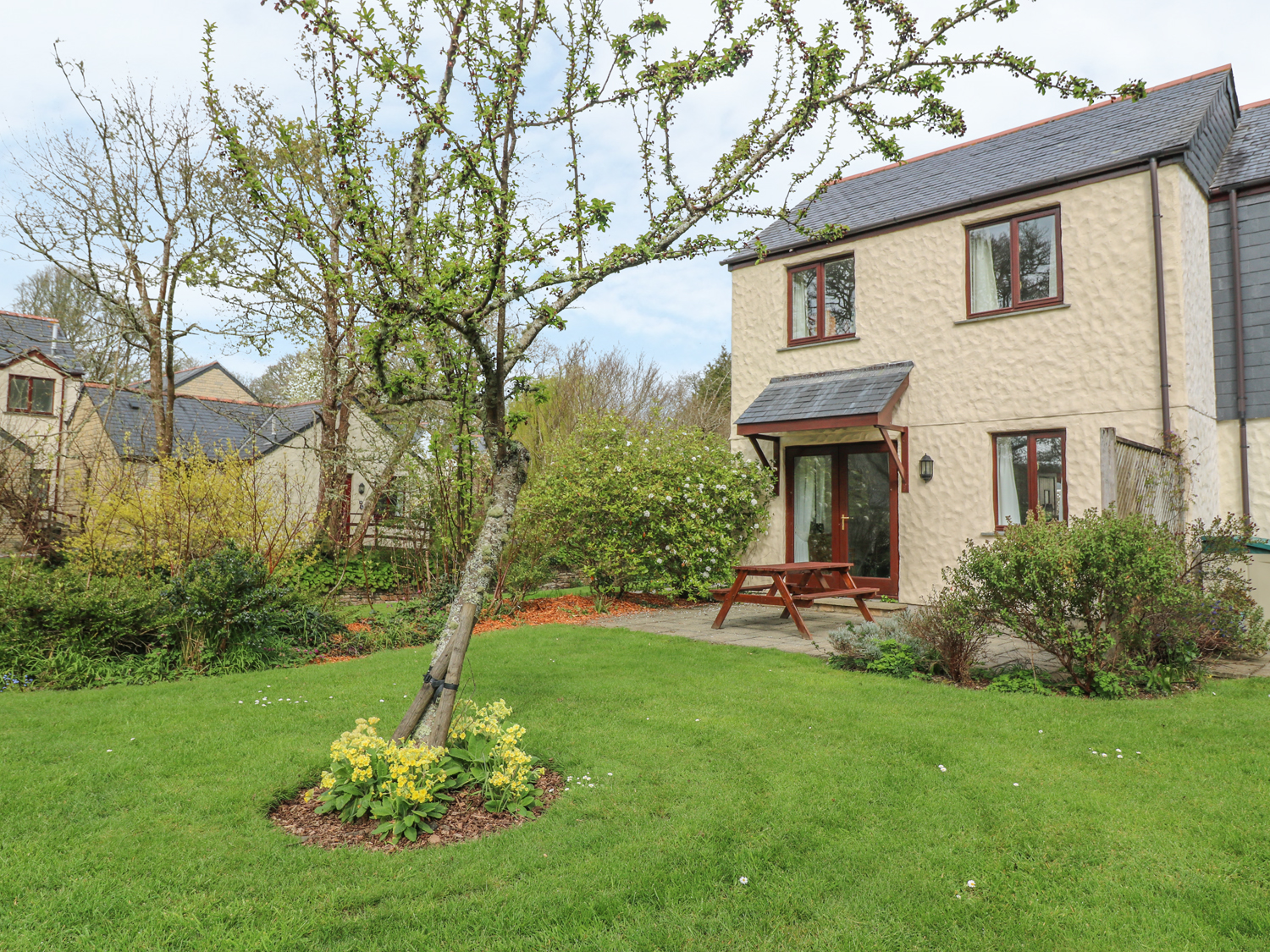 Daisy Cottage in FALMOUTH - This lovely cottage is located ...