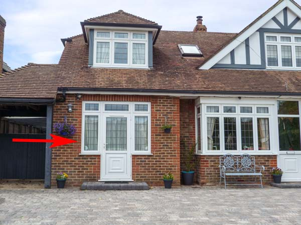 1 bedroom Cottage for rent in Rustington