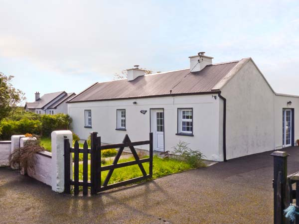 2 bedroom Cottage for rent in Swinford