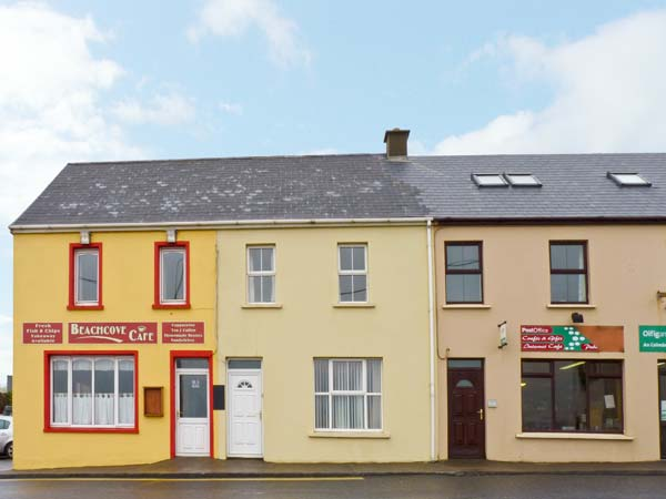 4 bedroom Cottage for rent in Waterville