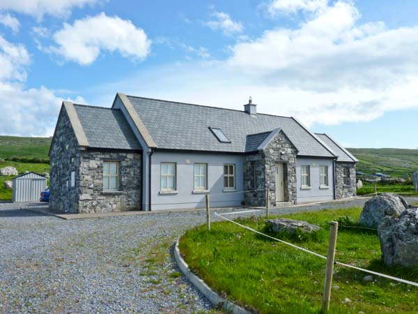 3 bedroom Cottage for rent in Fanore