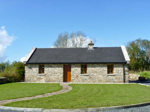 Cregan cottage in swinford county mayo this single for Country garden designs ireland