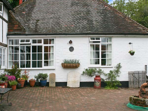 1 bedroom Cottage for rent in Henfield