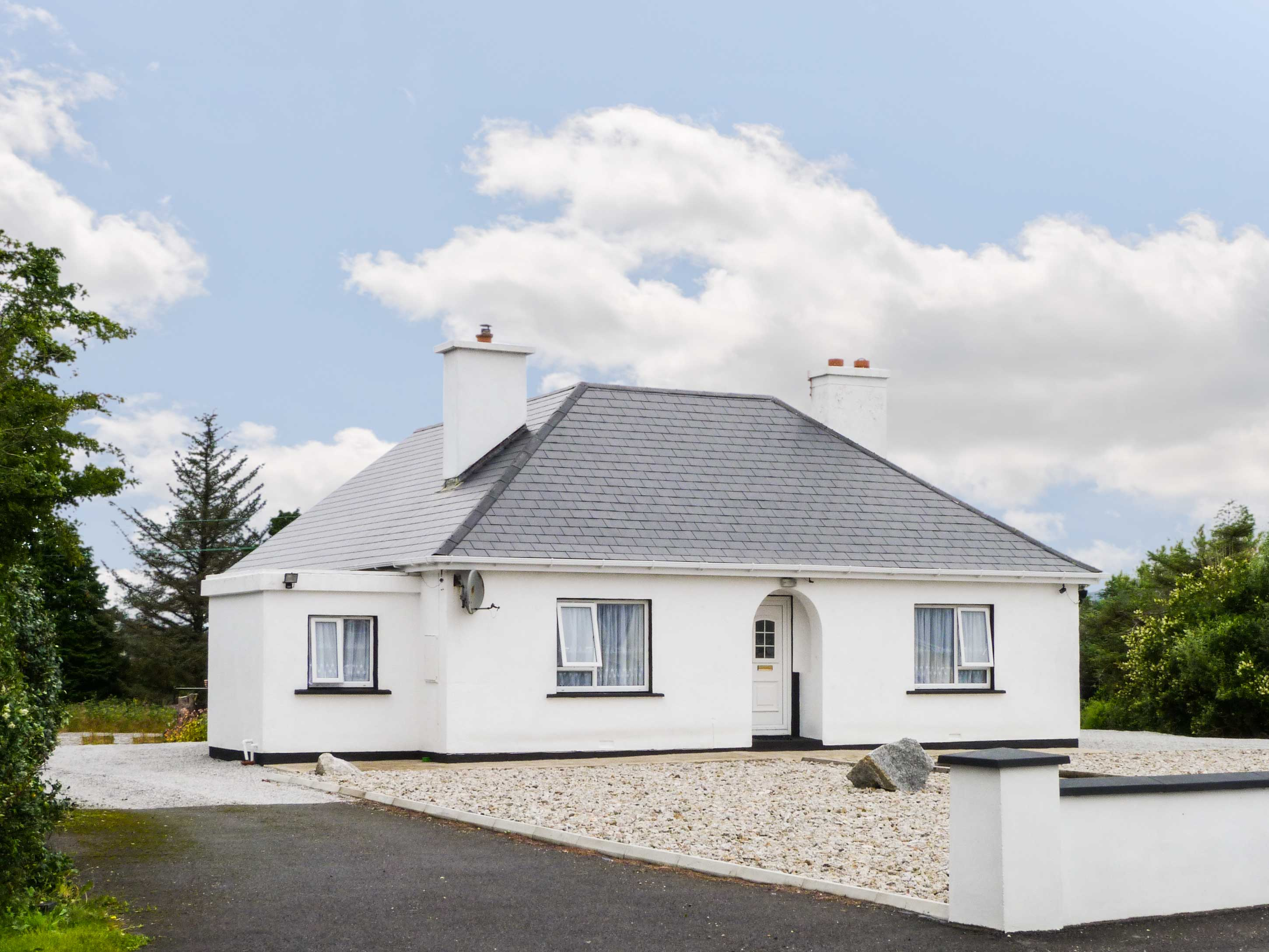 3 bedroom Cottage for rent in Dungloe