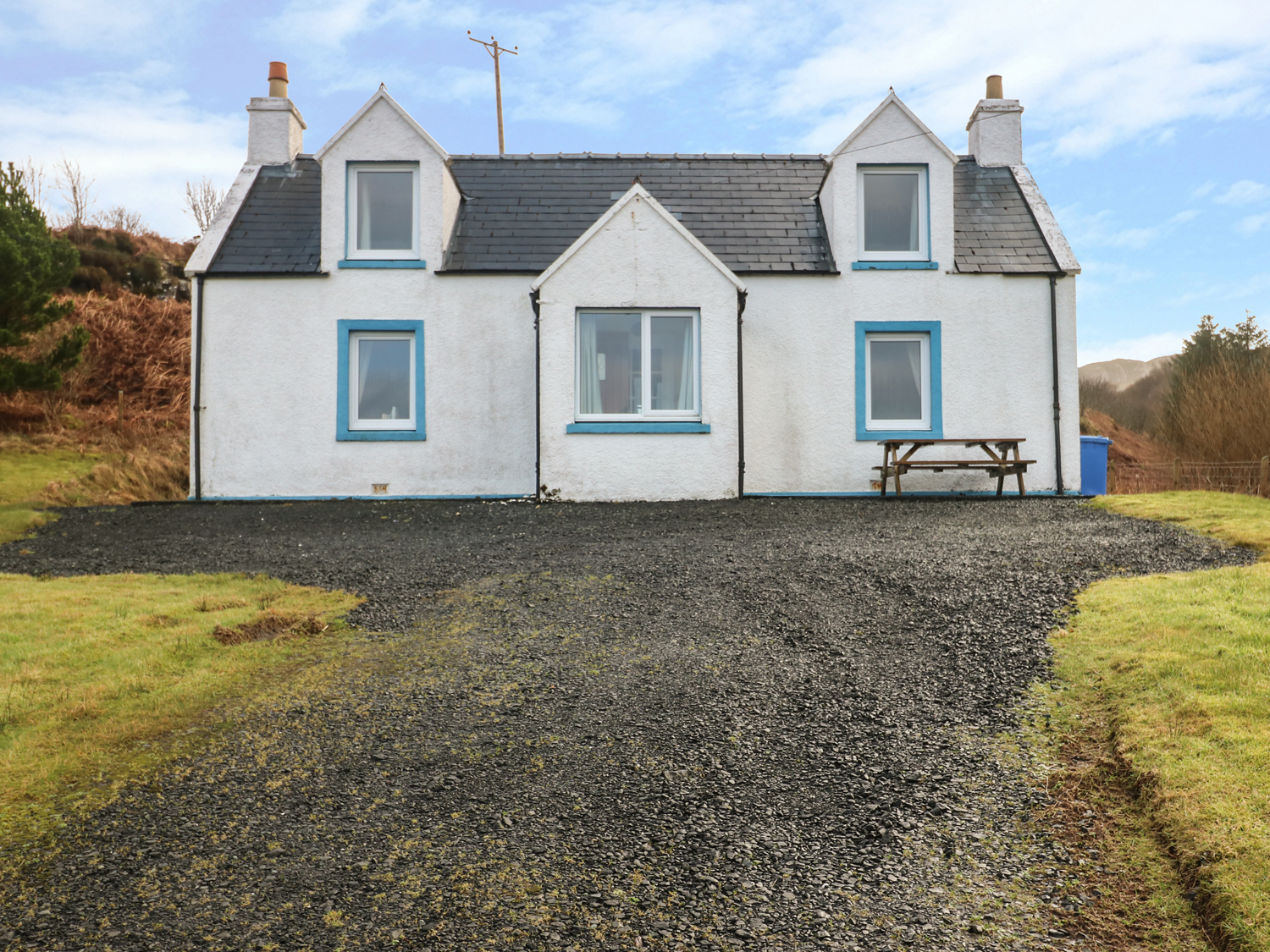bayview house in carbost this cottage is located in carbost on the isle of skye and can sleep. Black Bedroom Furniture Sets. Home Design Ideas