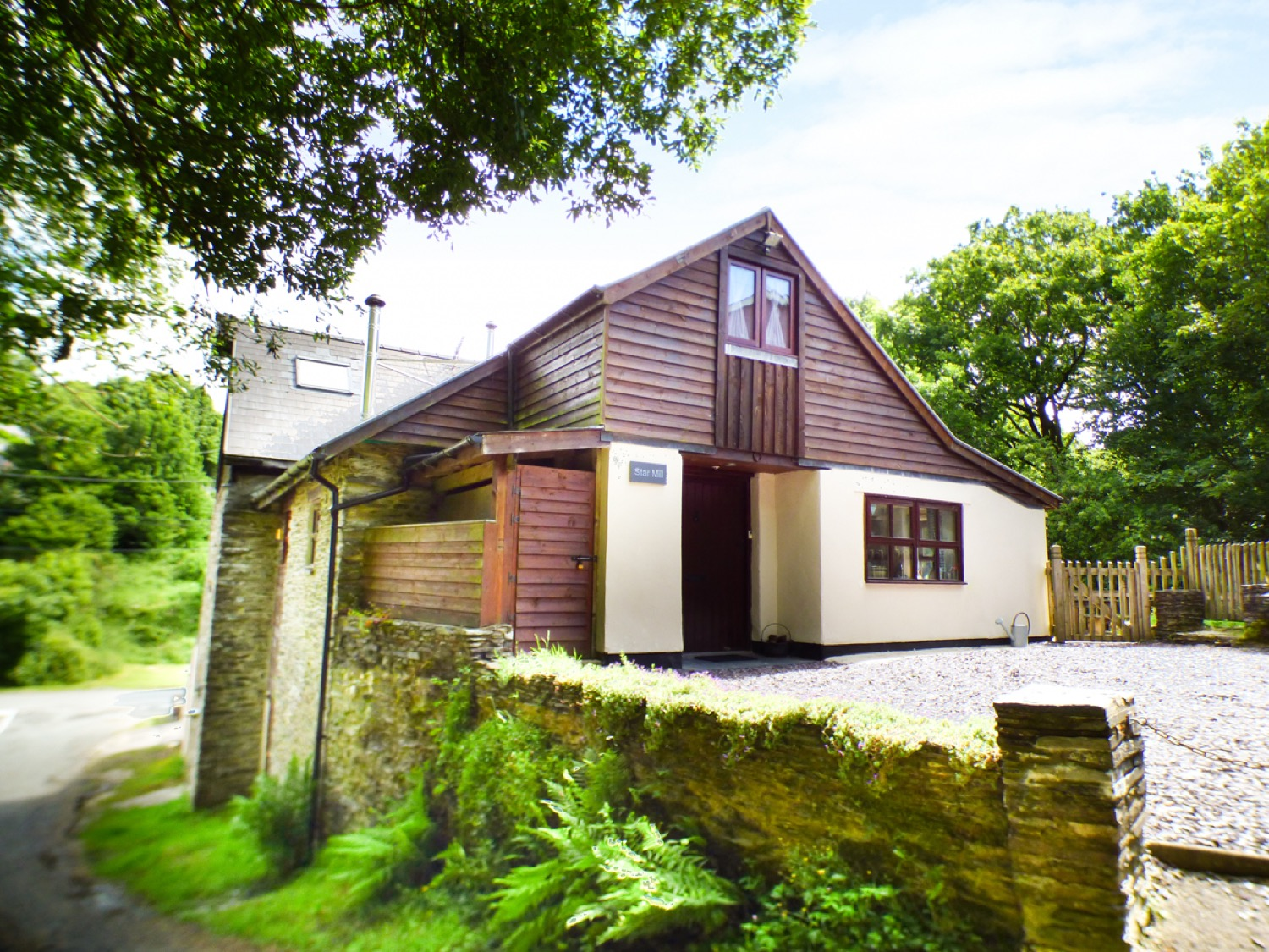 4 bedroom Cottage for rent in Newcastle Emlyn