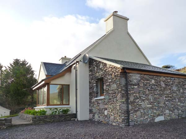 4 bedroom Cottage for rent in Caherdaniel