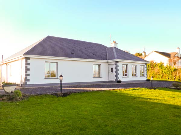 4 bedroom Cottage for rent in Oughterard