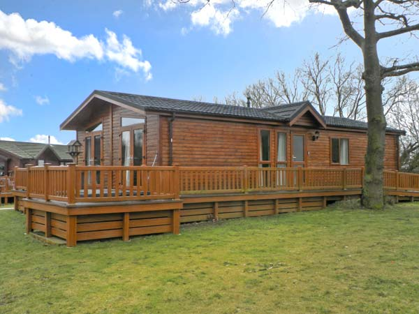 41 Duck Lake Tattershall Lakes Country Park Lincolnshire Self Catering Holiday Home