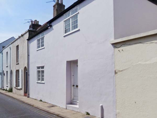 3 bedroom Cottage for rent in Deal