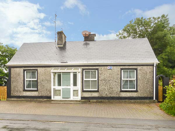 2 bedroom Cottage for rent in Ballindine